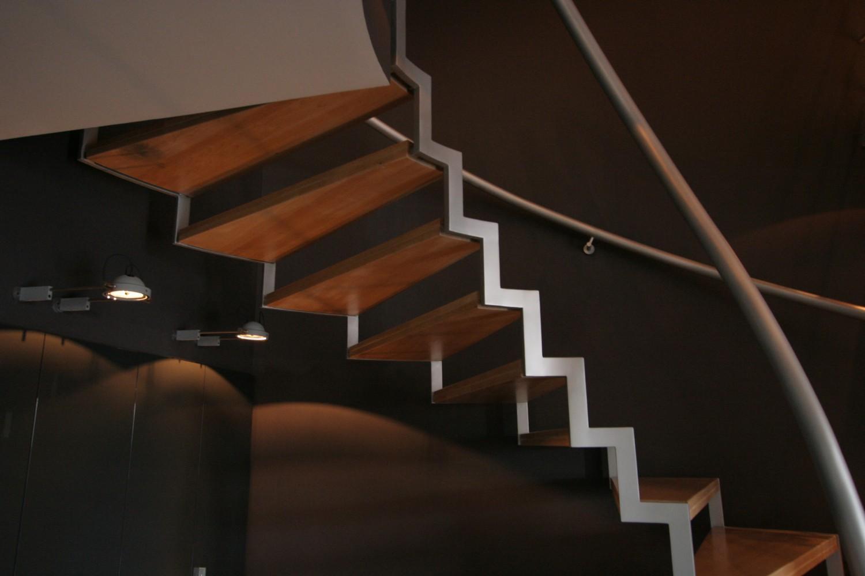 КВ Бюро лестница в интерьере