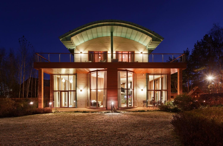 КВ Бюро Загородный дом в подмосковье вид снаружи ночью