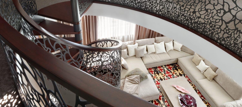 Архитектурное бюро лестница в интерьере пентхауса