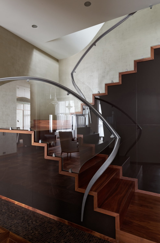 Пентхаус на Большой Грузинской лестница фото дизайн